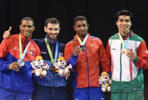 Ferreras y Díaz logran medallas de plata en karate