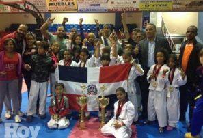 Academia Taekwando brilla en torneo internacional