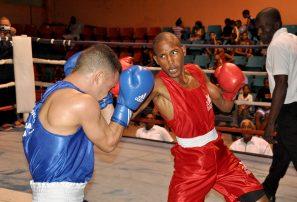 Santillán triunfa en apertura nacional boxeo élite