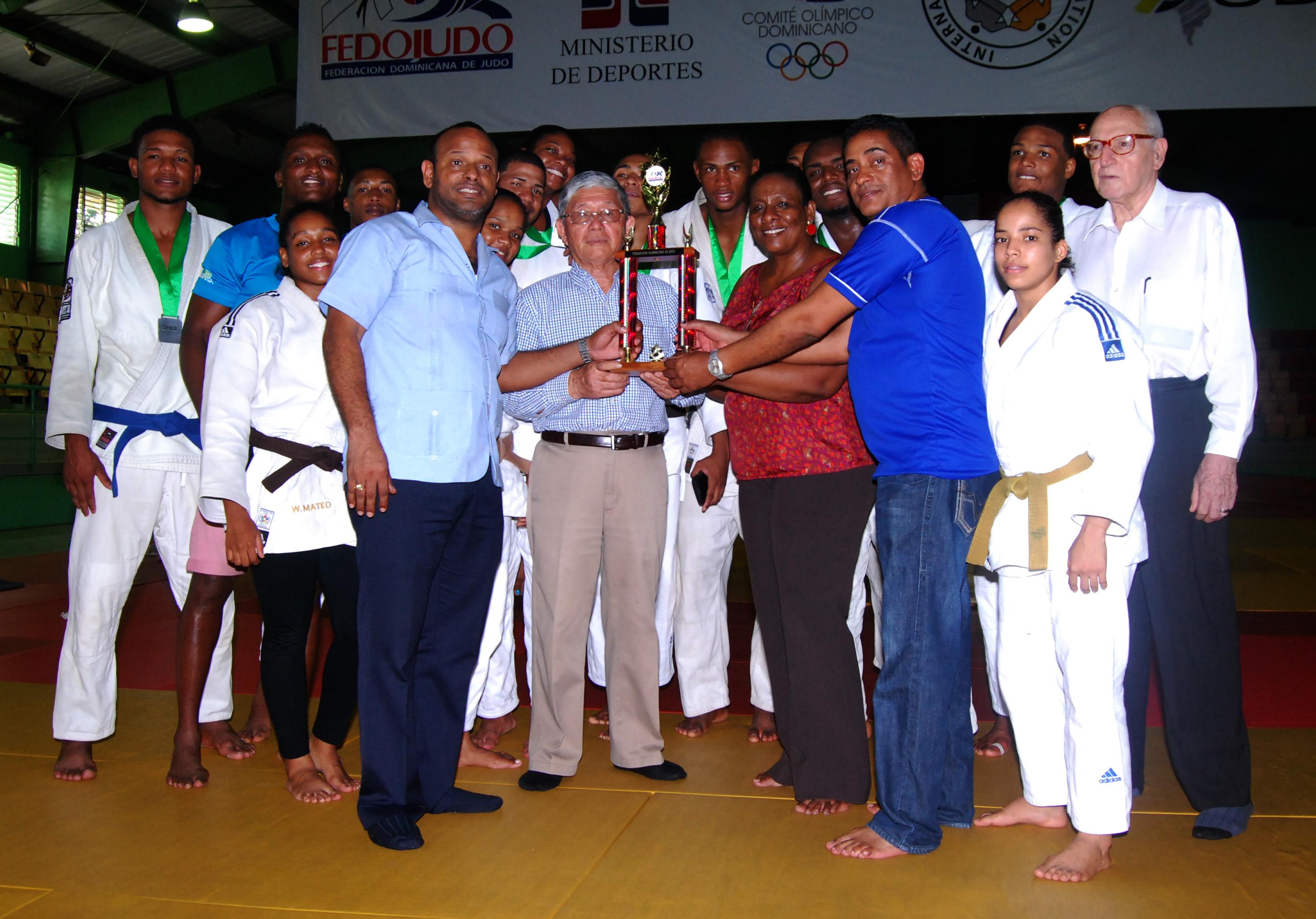 Región Sur repite como campeón élite por equipo