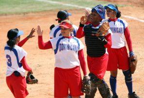 Equipo femenino gana en inicio mundial juvenil softbol RBI
