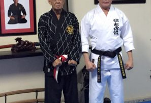 Miguel Peña es promovido de grado como maestro de karate