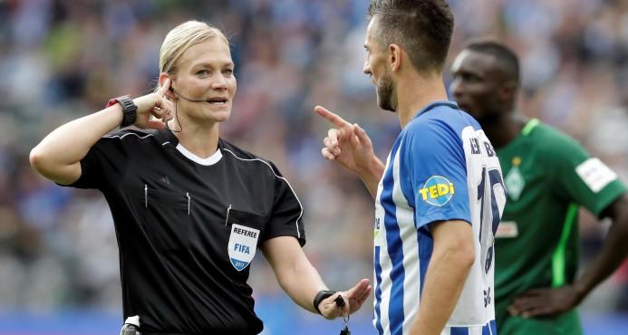 Debutó en la Bundesliga la primera mujer árbitro