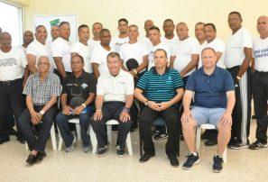 Federación Sóftbol capacita árbitros para eventos internacionales