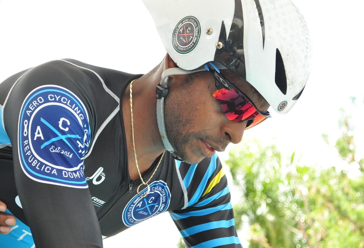 Ciclista Augusto Sánchez se proclama Campeón élite en contrarreloj