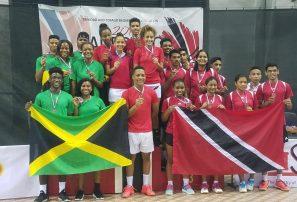 Bádminton RD divide por equipos con Jamaica en CAREBACO 2017