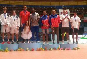 Juveniles César Brito y Argenis Maríñez ganan bronce Bádminton en Cuba