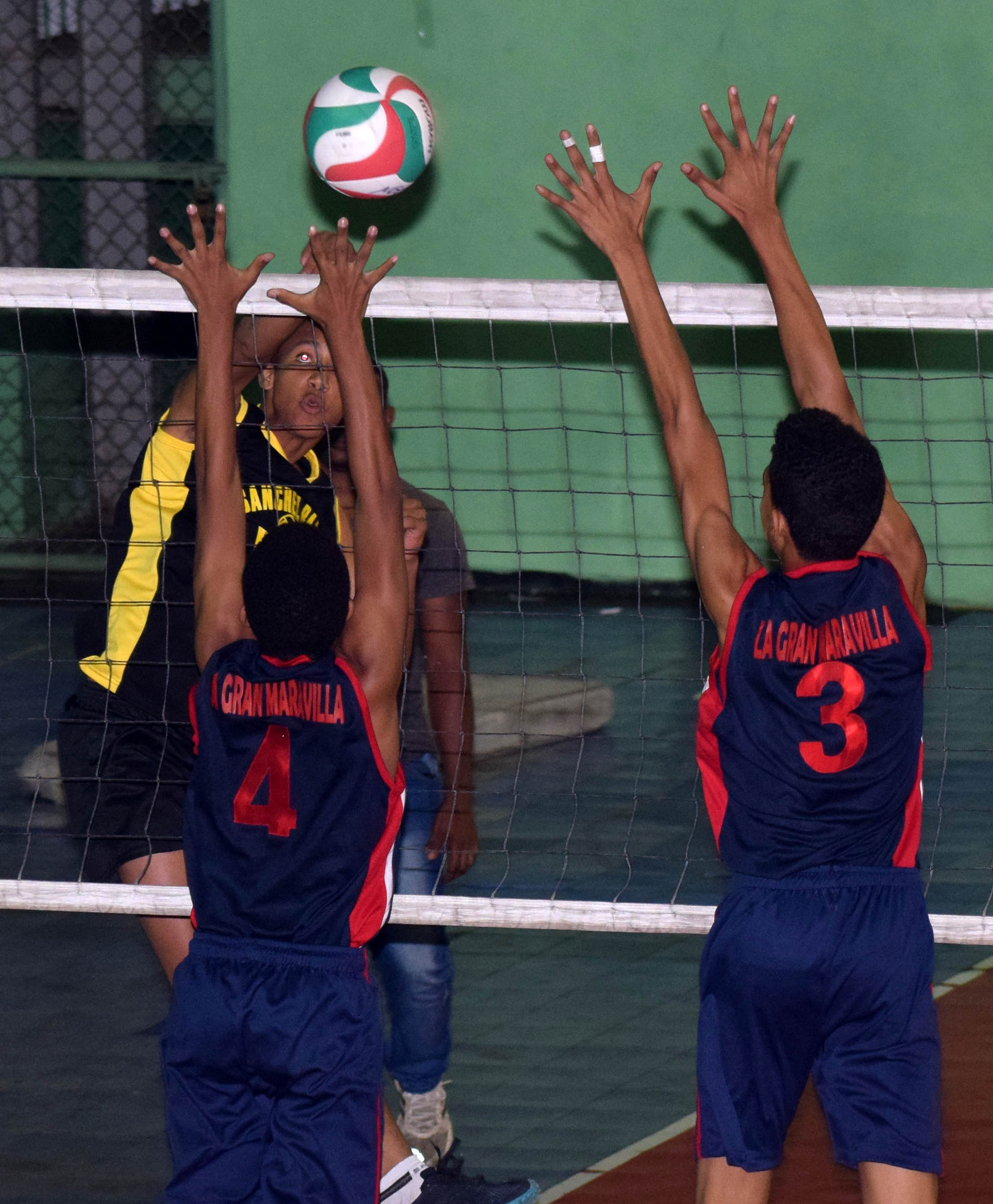 Barahona, Santiago, Baní y Hermanas Mirabal a semifinales
