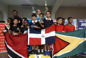 Equipos tenis de mesa, dos oros y un bronce en Campeonato cadete del Caribe