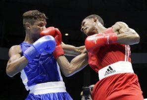 Leonel De los Santos debuta con triunfo en Mundial de Boxeo