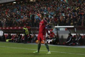 Cristiano logra doblete y alcanza los 70 goles con Portugal