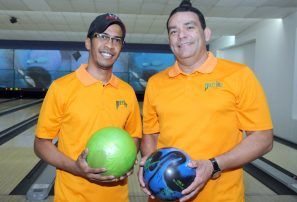 Francis Soto y Wilie Javier, oro en pareja torneo boliche