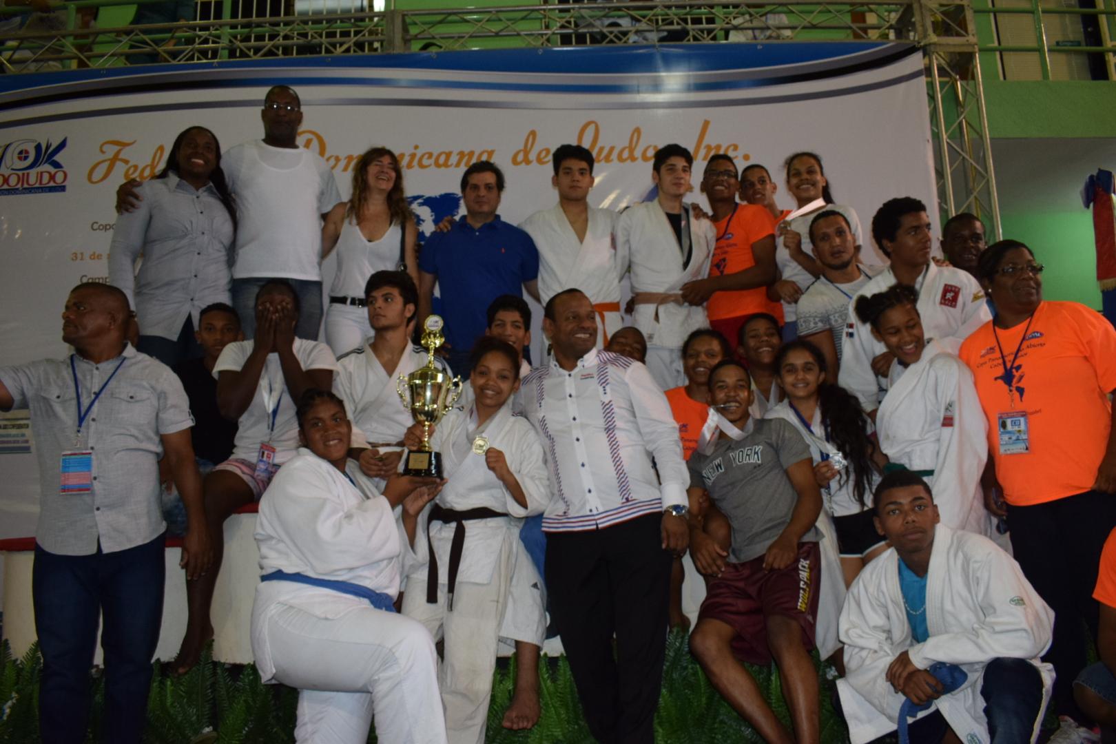 Selección judo RD conquista campeonato Copa del Caribe