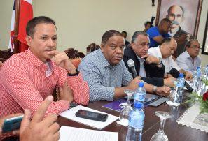 Ministro Diaz resalta calidad  Integrantes CO Juegos Nacionales