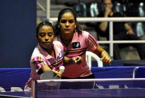 RD suma tres medallas de oro en dobles campeonato tenis de mesa