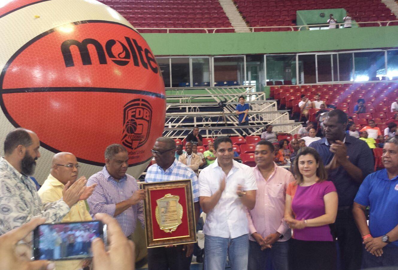 Reeligen a Gerardo Suero en Federación de Atletismo