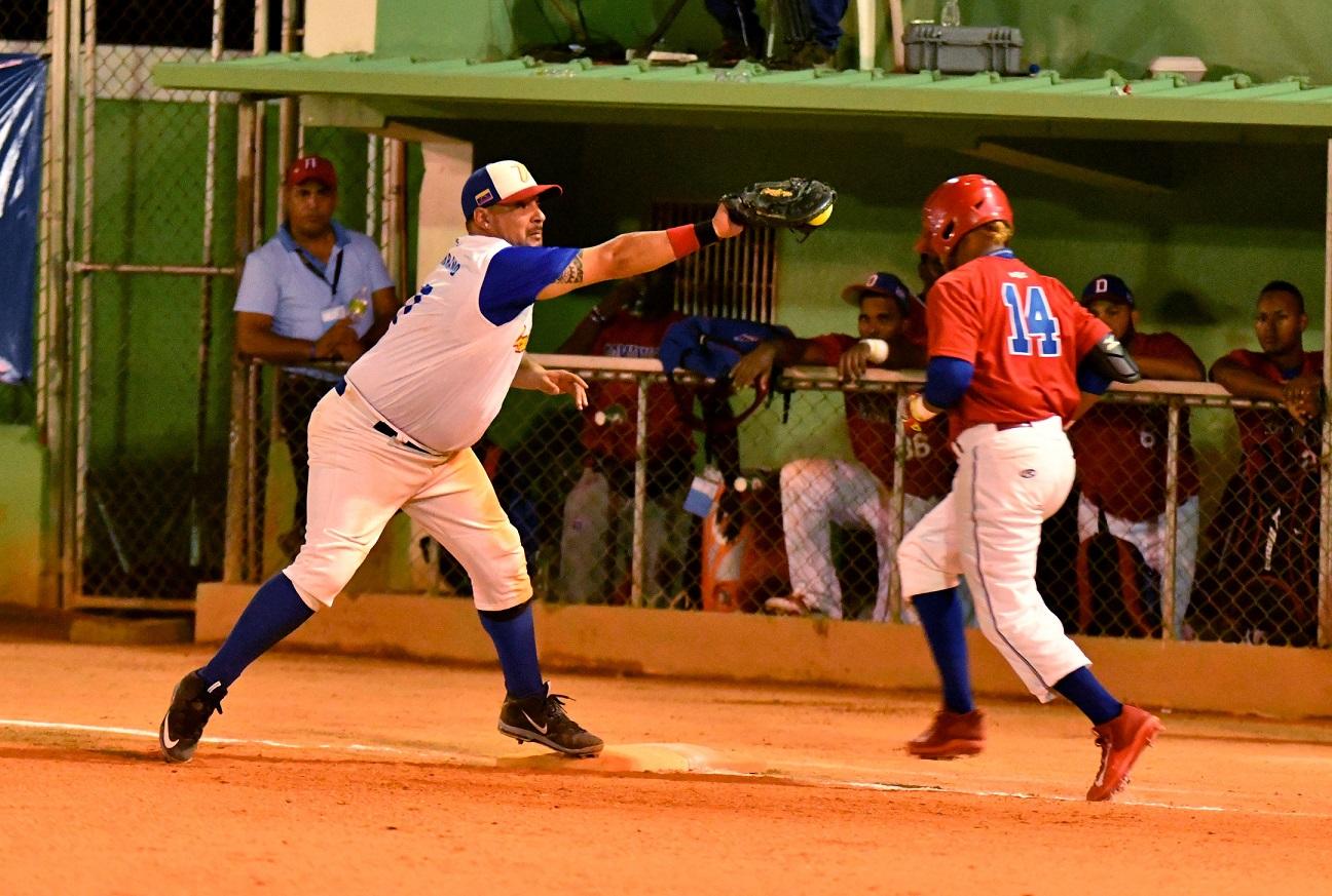 Venezuela derrotó a RD en el Campeonato Panam de Softbol
