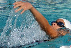 Elizabeth Jiménez impone record; DN lidera Campeonato Nacional Natación