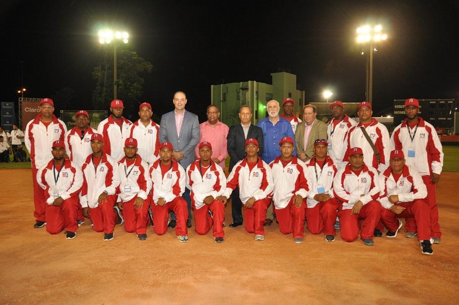 RD noquea a Brasil en apertura Campeonato Panam de softbol