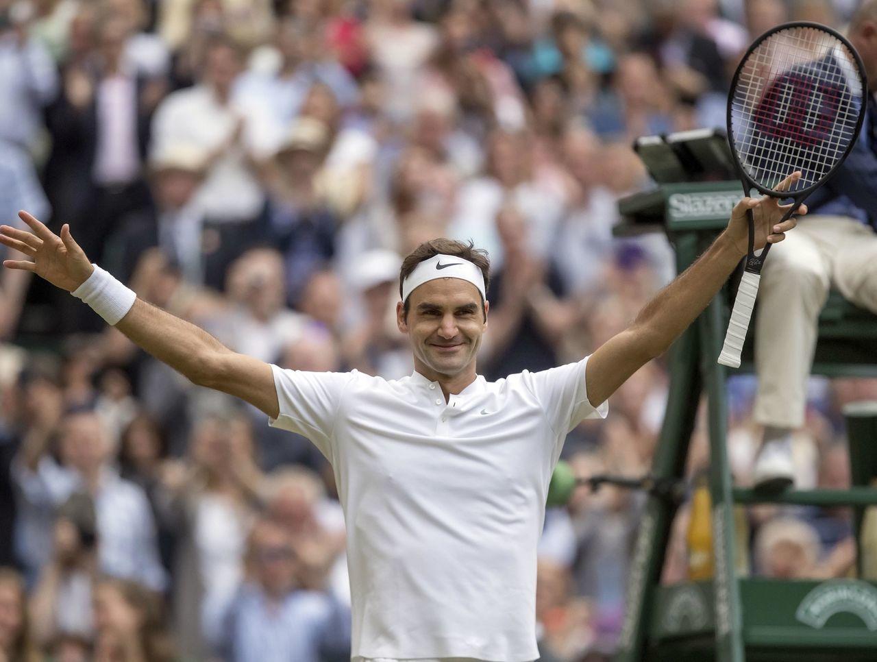 Federer vence a un Cilic lesionado y conquista Wimbledon por octava vez