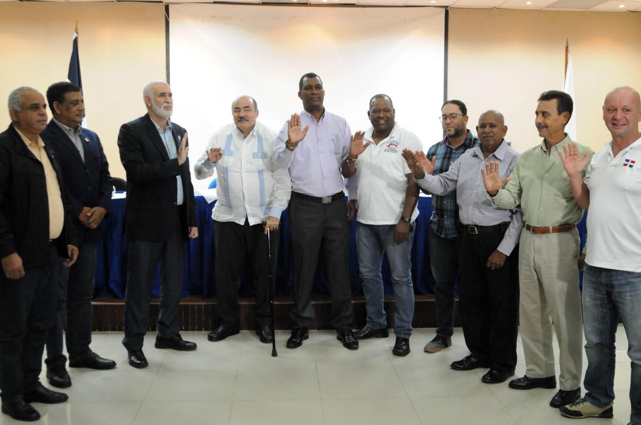 Reeligen a Osiris Tejeda Cessé presidente de la Fedoreca