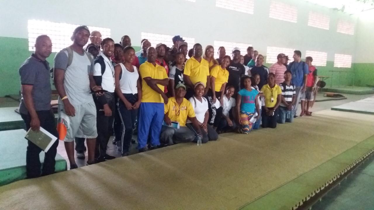 Fedogim imparte taller de gimnasia a profesores educación física de San Pedro