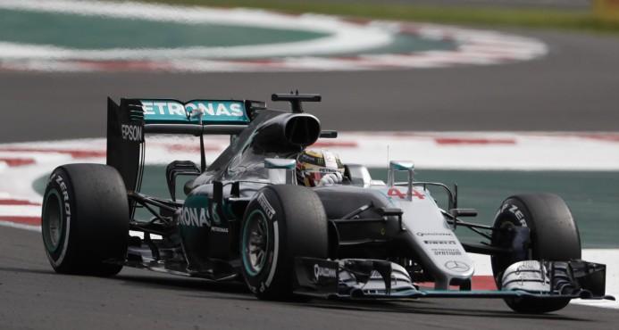 Hamilton se impone en México y presiona en la F1
