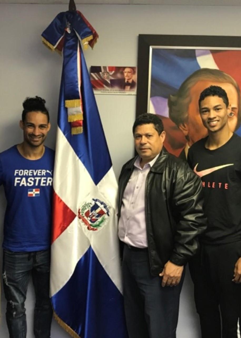 Cónsul dominicano en Puerto Rico recibe a los hermanos Santos