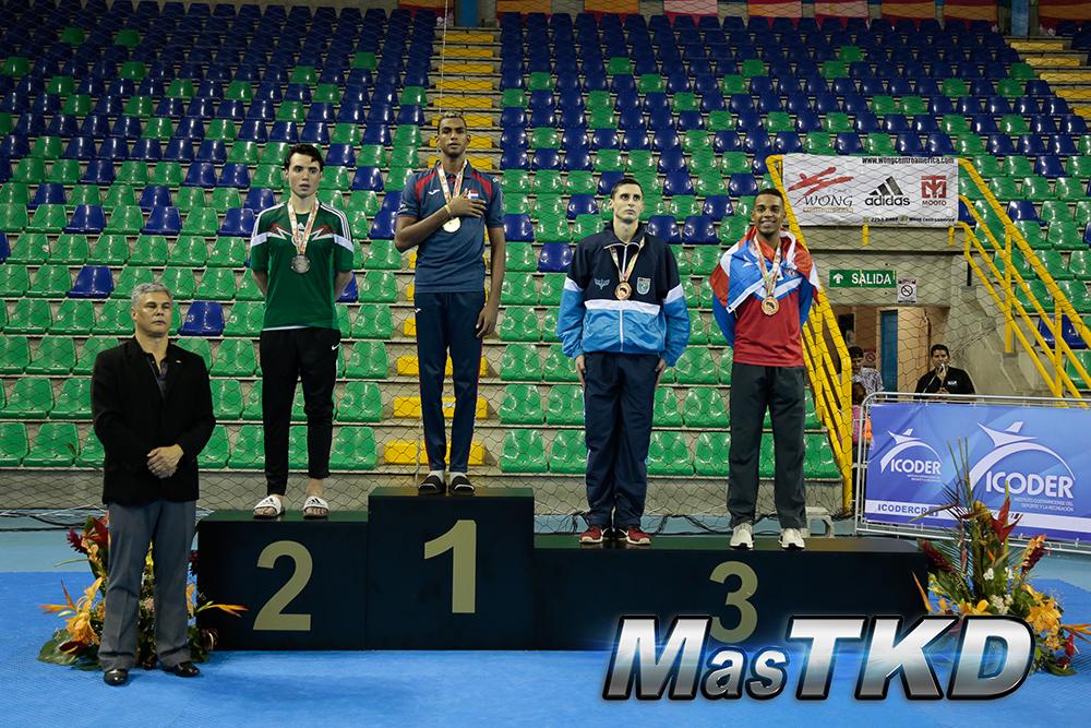 Moisés Hernández gana oro y Montes de Oca bronce en Open Taekwondo