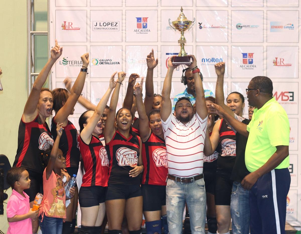 Las moledoras de la avenidas, campeonas voleibol La Romana
