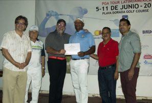 Julio Santos gana el torneo Copa Playa Dorada de Golf