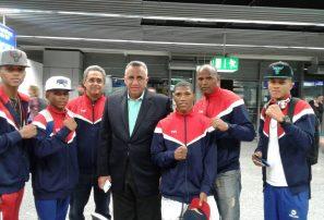 Mejía Oviedo motiva púgiles van a Mundial Juvenil de Boxeo