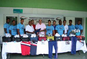 Canotaje RD despide delegación va a Centroamericanos