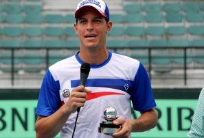 Bebo Hernández recibe Premio al Compromiso Copa Davis