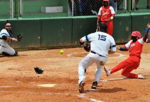 Cuba y Argentina se colocan en las semifinales del Panam de Softbol