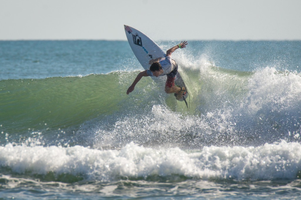 Equipo de EEUU se sitúa líder del Campeonato Mundial Junior de Surf