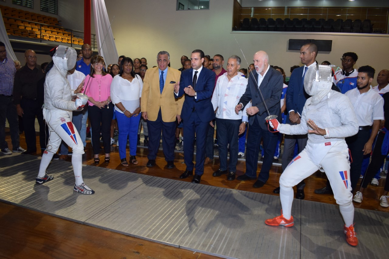 Federación Esgrima pone en marcha torneo nacional superior