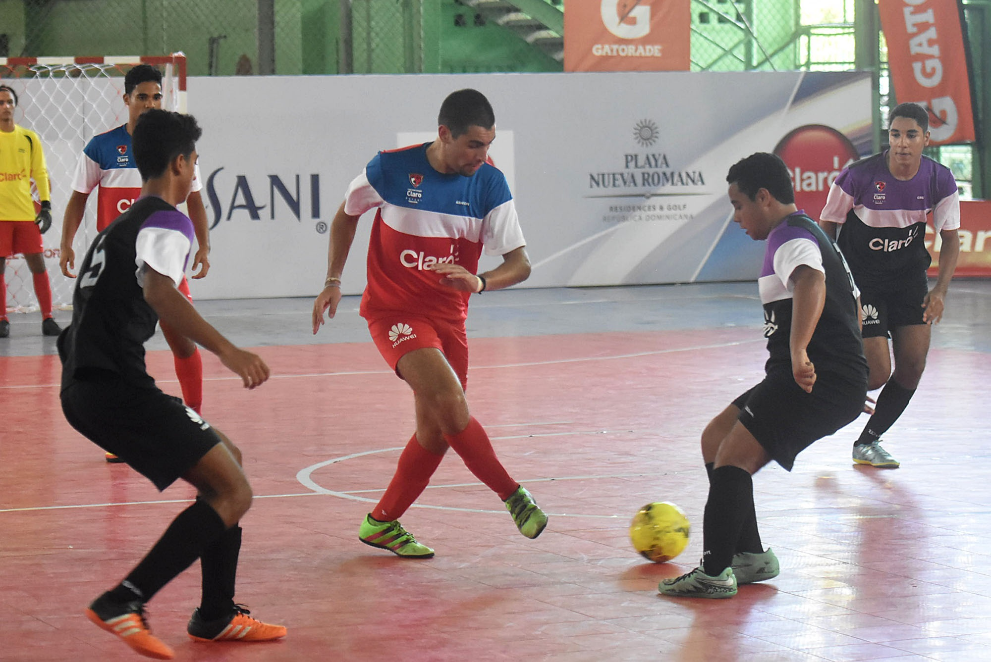 Sek Las Américas le ganó a Cardenal Sancha en Futsal