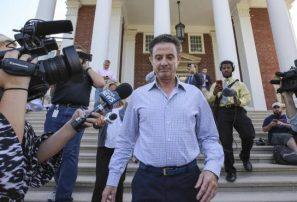Escándalo soborno obliga a Lousville suspender a su técnico Rick Pitino