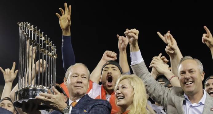 Astros conquistan su primer título de Serie Mundial
