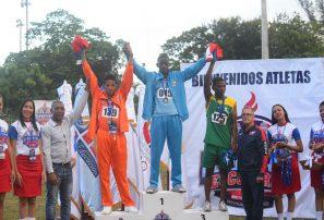 Graciano y Pérez brillan en atletismo de los Juegos Deportivos Escolares
