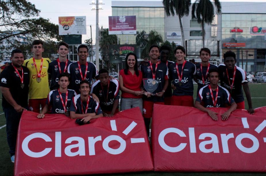 Iberia es campeón de la etapa de Santiago en el Intercolegial
