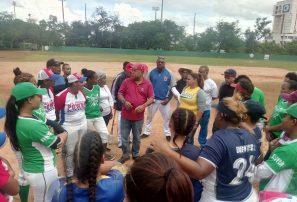 Preselección femenina de béisbol inicia prácticas para PreMundial