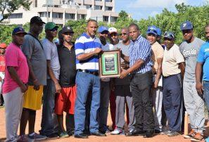 Inauguran torneo de béisbol 15-16 años del DN