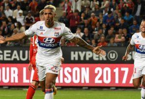 Dominicano Díaz se ha convertido en la figura del Lyon