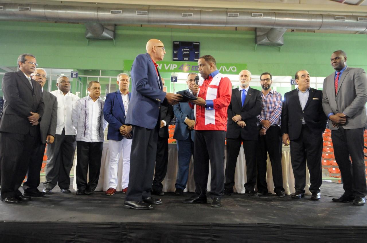Entregan bandera a Jefe de Misión Juegos Bolivarianos