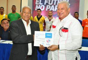 Entregan licencia a los clubes que accionarán en la Serie B de fútbol