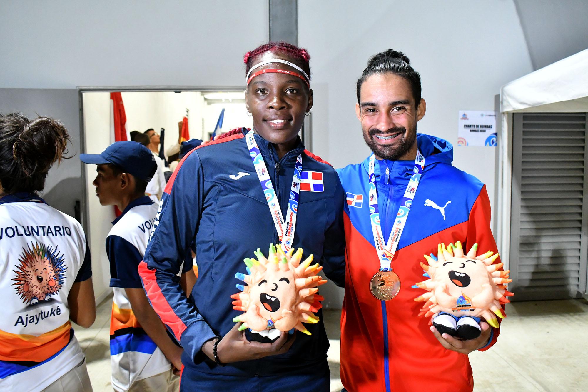 Luguelin y Tima brillan con oro en atletismo Bolivarianos