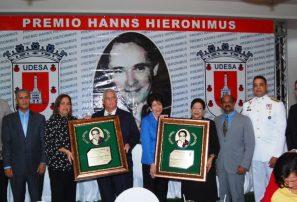UDESA hace distinción a personalidades en Premio Hanns Hieronimus