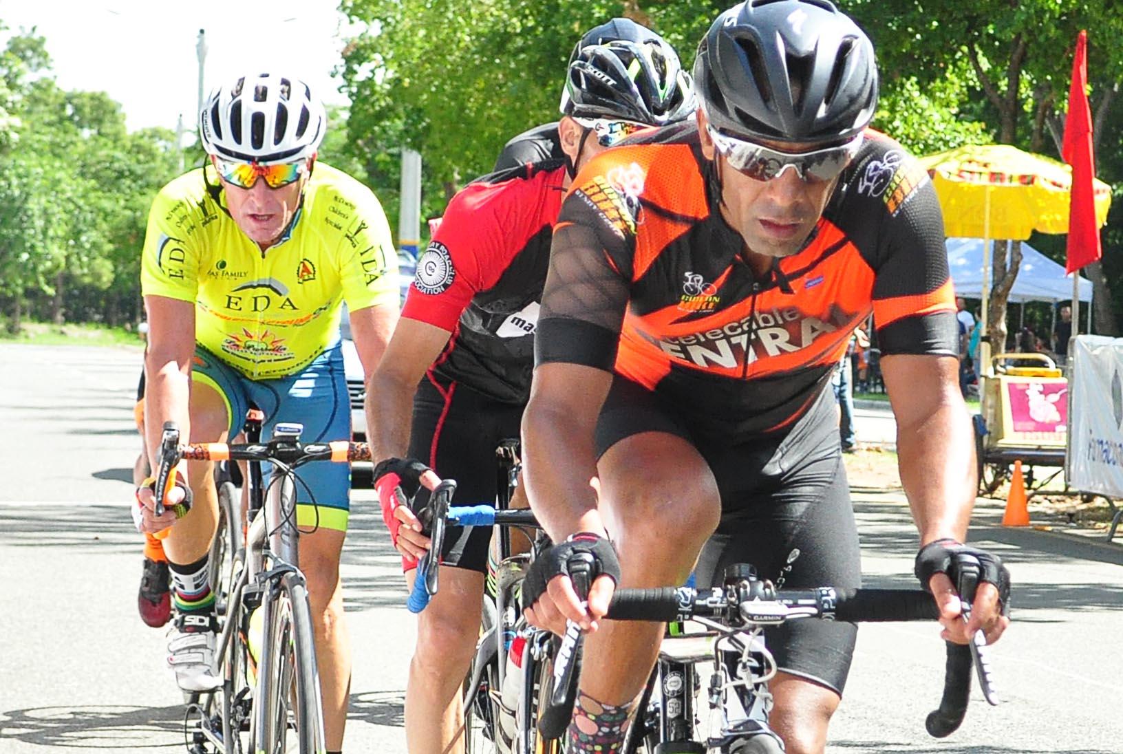 Wendy Cruz triunfa en tercera tapa del Ciclismo Triple 100